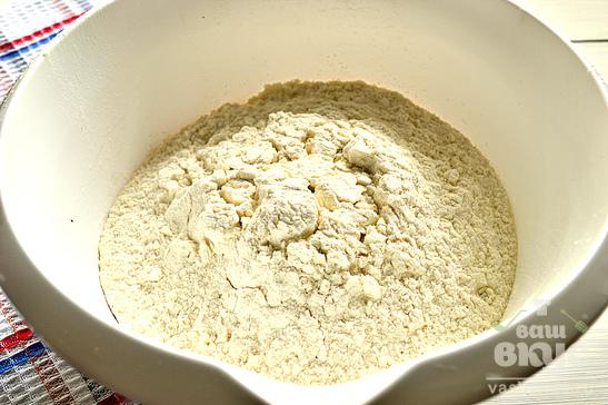 Дрожжевое тесто на растительном масле и майонезе