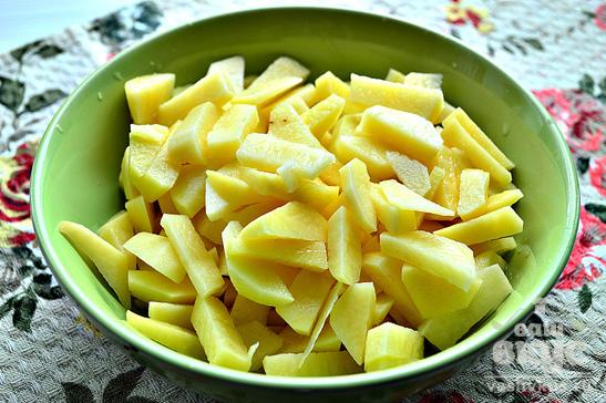 Закуска из картофеля, сельди и маринованного имбиря