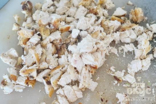 Салат из пекинской капусты, грибов и курицы