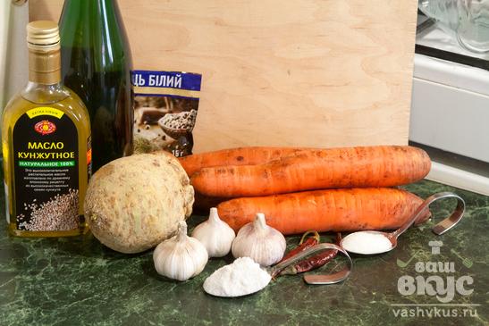 Корейский салат из моркови и сельдерея