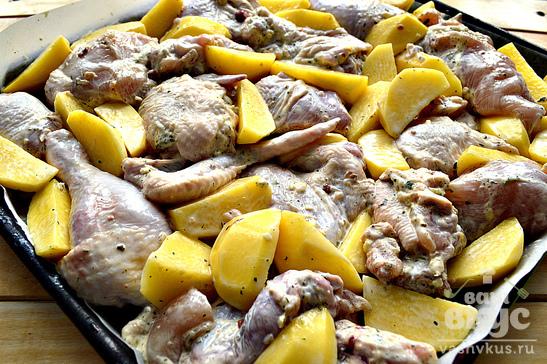 Картофельные дольки с курицей