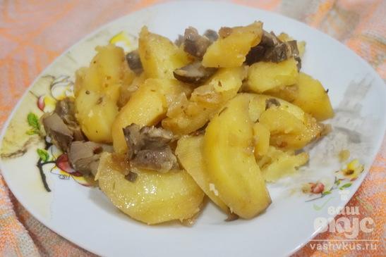 Картофель с грибами и луком