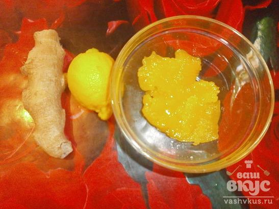 Зеленый чай с тертым имбирем, лимоном и медом