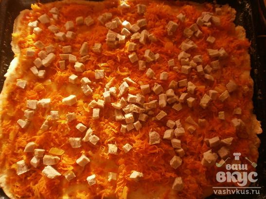 Пицца с маринованными грибами и вареной свининой