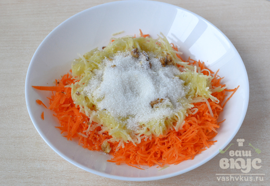 Морковный салат с яблоком и грецкими орехами