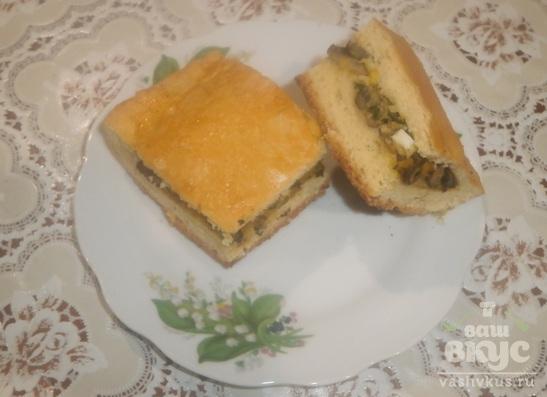 Пирог с начинкой из грибов и яиц