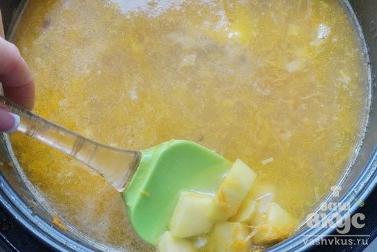 Куриный суп с сырными клецками в мультиварке