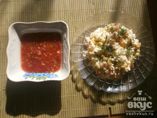 Салат с крабовыми палочками и аджикой