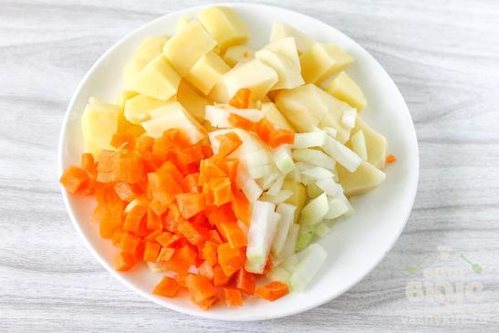 Суп на курином бульоне с фрикадельками