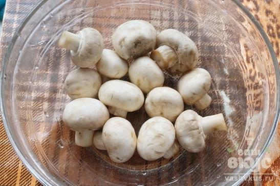 Скумбрия фаршированная грибами