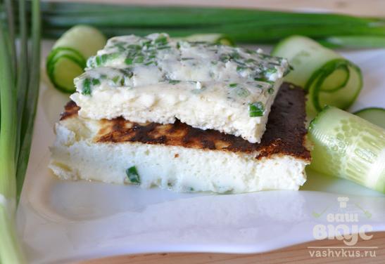 Сливочный омлет с зеленым луком