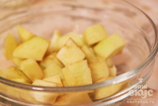 Рёбрышки с яблоками и мандаринами