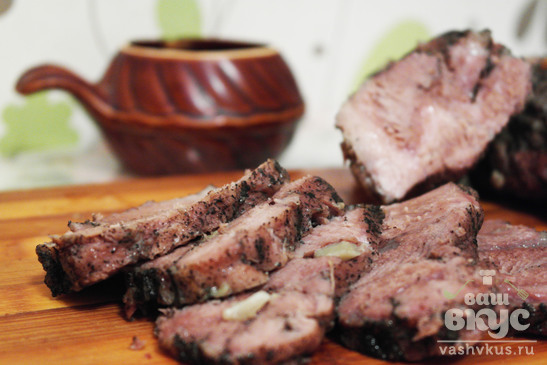 Запеченное мясо свинины в фольге