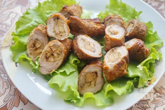 Крученики с начинкой из грибов и сыра