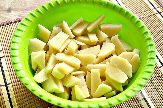 Картофель на сковороде с салом